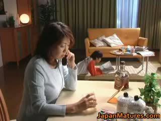Hooters japonesa maduros bebês a chupar part2
