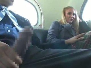 Dandy 171 blond studenten bekläs kvinnlig naken hane kul på tåg 1