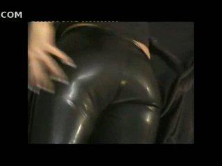 Sexy cô gái trong chặt chẽ da pants