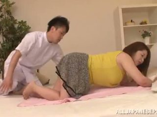 Montok asia babe's besar tetek natsuko kayama