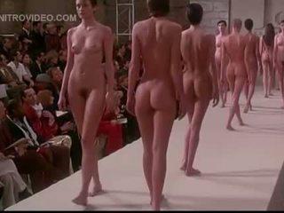 Pretaporter nackt modelle