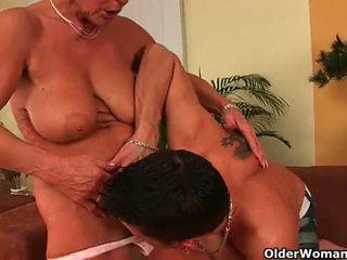 Māmiņa vēl needs jūsu spunk filled boner