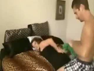 Figlio takes non suo sexy bello mamma in il culo