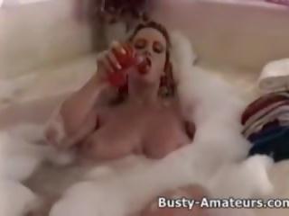 거유 heather 재생 그녀의 고양이 에 bathtub: 무료 포르노를 5a