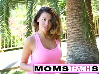 Momsteachsex on a mission to seduce you 14min tube