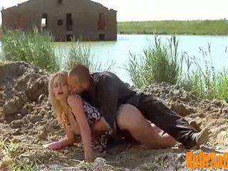 Valeria marini nóng và khỏa thân trong bambola phim