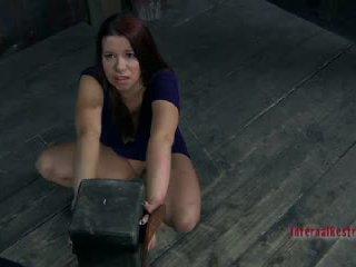 Sarah blake getting nailedsomething twisted là về đến xảy ra đến sarah blake2