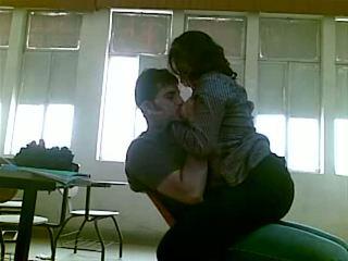 Iraqi kön vid högskolan mustafa & yasmin - delen 1