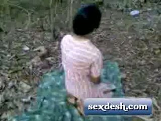 Desi Young Village Girl Fucked In Mango Garden