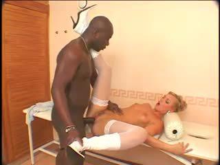 Ellen saint - negra anal máquina