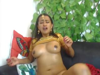 Beautiful Indian Camslut Fucking Her Creamy Pussy: Porn 13