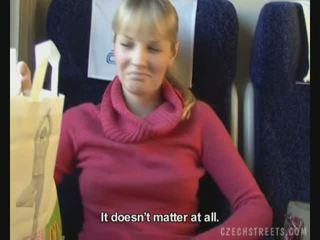 Público joder en tren