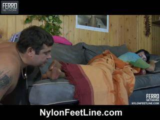 Збуджена guy awaking a sleepy краля