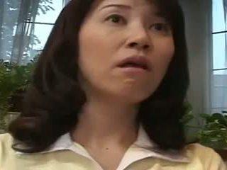 japonec plný, vidieť japonsko, mamičky a boys skontrolovať