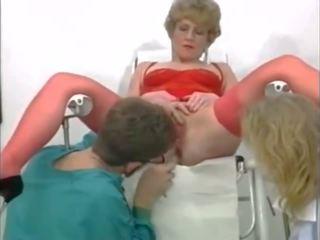 Ciudatel in trei la the gyneco, gratis fisting porno video 95