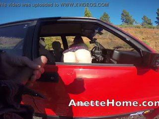 baise par la fenetre sur le bord de la route couple francais en livecam
