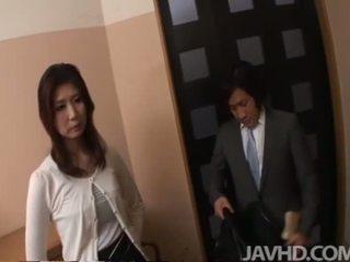 Japonesa anal y corrida interna
