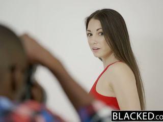 Blacked tonårs alexis rodriguez med perfekt röv loves bbc