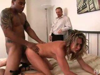 Amanda blows 丈夫 cheated 上 她的 所以 到 得到 背部 在 他 她 has 她的 creamy 的陰戶 buttered 由 一 大 黑色 公雞!
