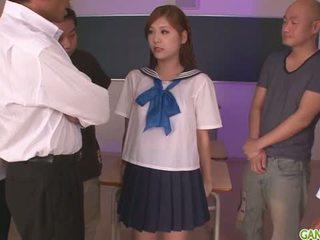 تلميذة yura kasumi غير ل حار اليابانية بوضعه فتاة