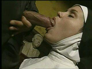 Biarawati gets kacau dan takes ejakulasi di wajah - holy god!