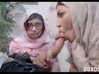 Mia khalifa lebanese arab дівчина