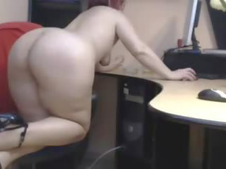 Old Mature Mom Show Her Beautiful Big Booty: Free Porn 3d
