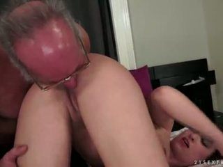 Angelina brill fucks an vanem gentleman
