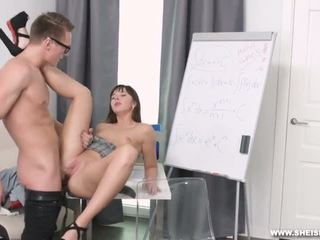 Hard slurping fuck for an A - Porn Video 611