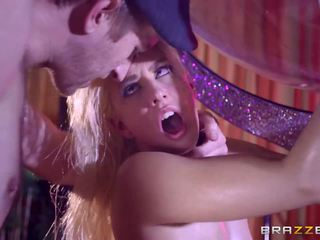 Brazzers - seksi stripper jessie volt aşk kocaman deli.