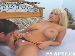 Katsella sinun vaimo starring sisään a kovacorea porno