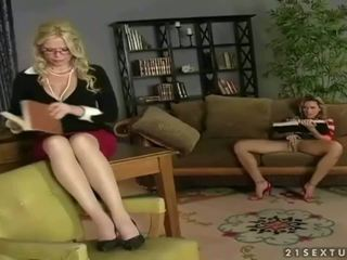 kissing, pussy licking, girl on girl