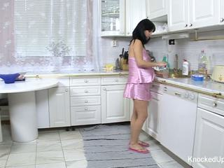 Luštne & noseče bejba fucks v the kuhinja