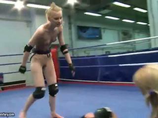 Gitta blond vs sabrina pirang