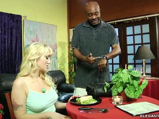 Alana evans anally demanding ลูกค้า