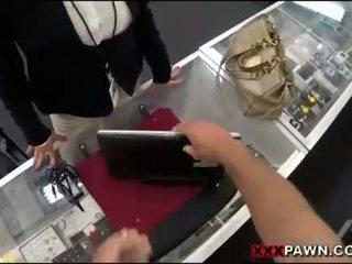 Groot tieten vrouw screwed omhoog door pawnkeeper