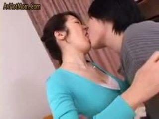 热 日本语 妈妈 49 由 avhotmom