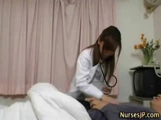 Japonské sestrička suka gets ju pacient ťažký