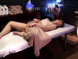 Mosaic: koledža meitene reluctant orgasms līdz masseur