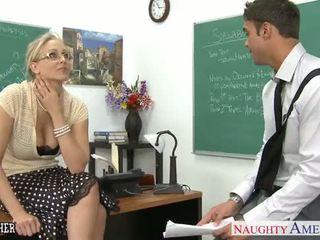 Sekss skolotāja julia ann jāšanās
