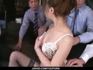 Aiko hirose gets fucked podľa všetko ju kancelária colleagues