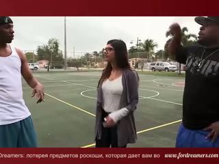 Mia khalifa paroháč s 2 veľký čierne dicks