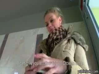 Grande tette eurobabe adele scopata per soldi