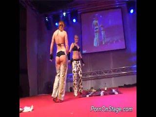 2 Girls Inside Lesbie Showcase With Pu...
