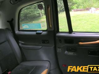 Fake taxi driver gets laimingas į dogging vieta