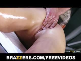 Abbey brooks laimingas ending masažas