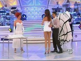 Alessia fabiani 뜨거운 치마 업 에 살고있다 tv - 화이트 pan