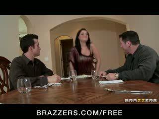 Charley chase - grande tetta bruna has double penetration trio orgia con boss