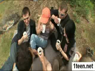 Alluring teenie getting gaped grūti