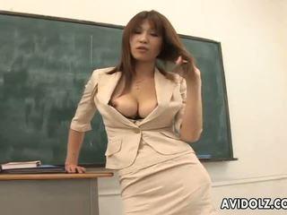 Caliente pechugona ai kurosawa sucio profesora con enorme